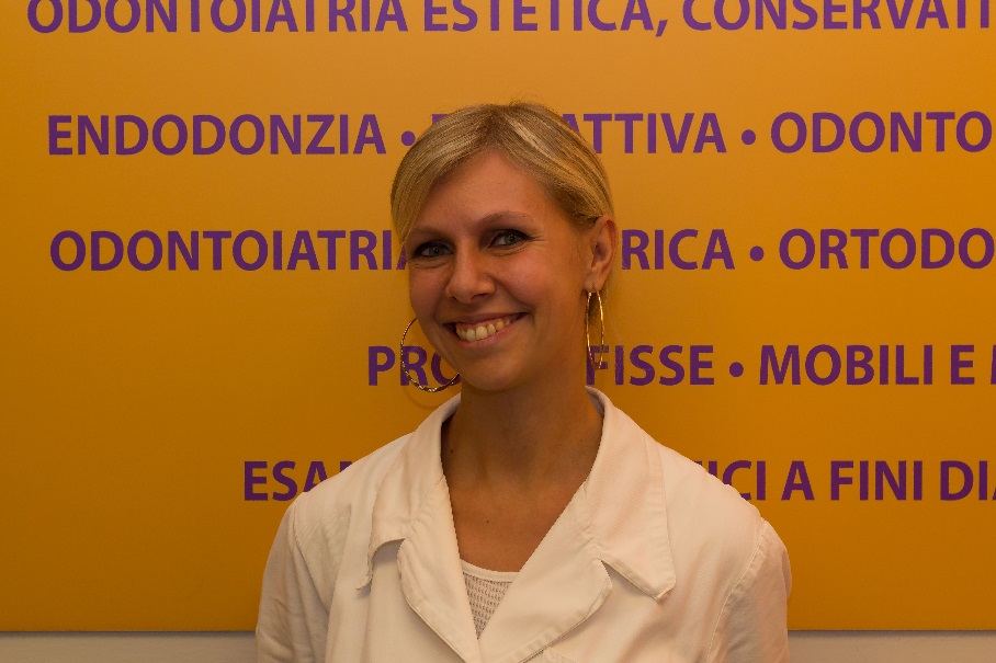 Luana, receptionista